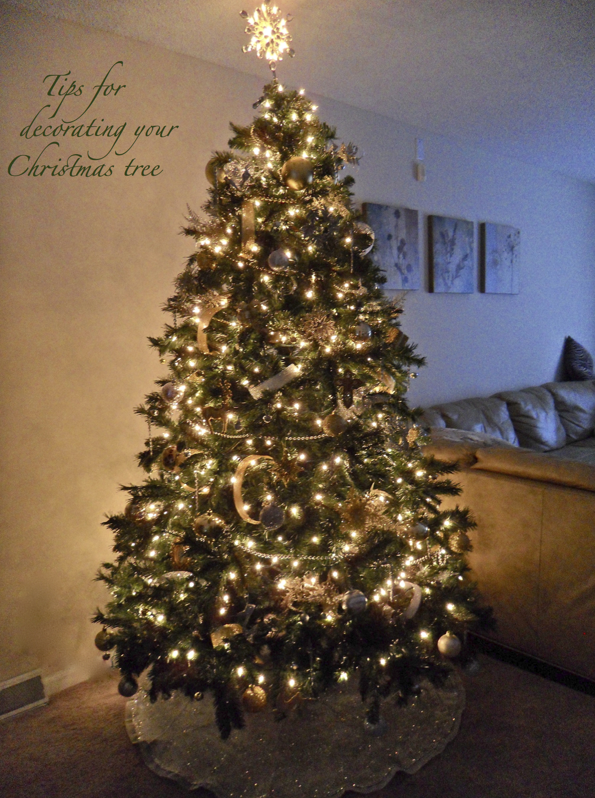Tips for decorating your christmas tree for Gold christmas tree lights