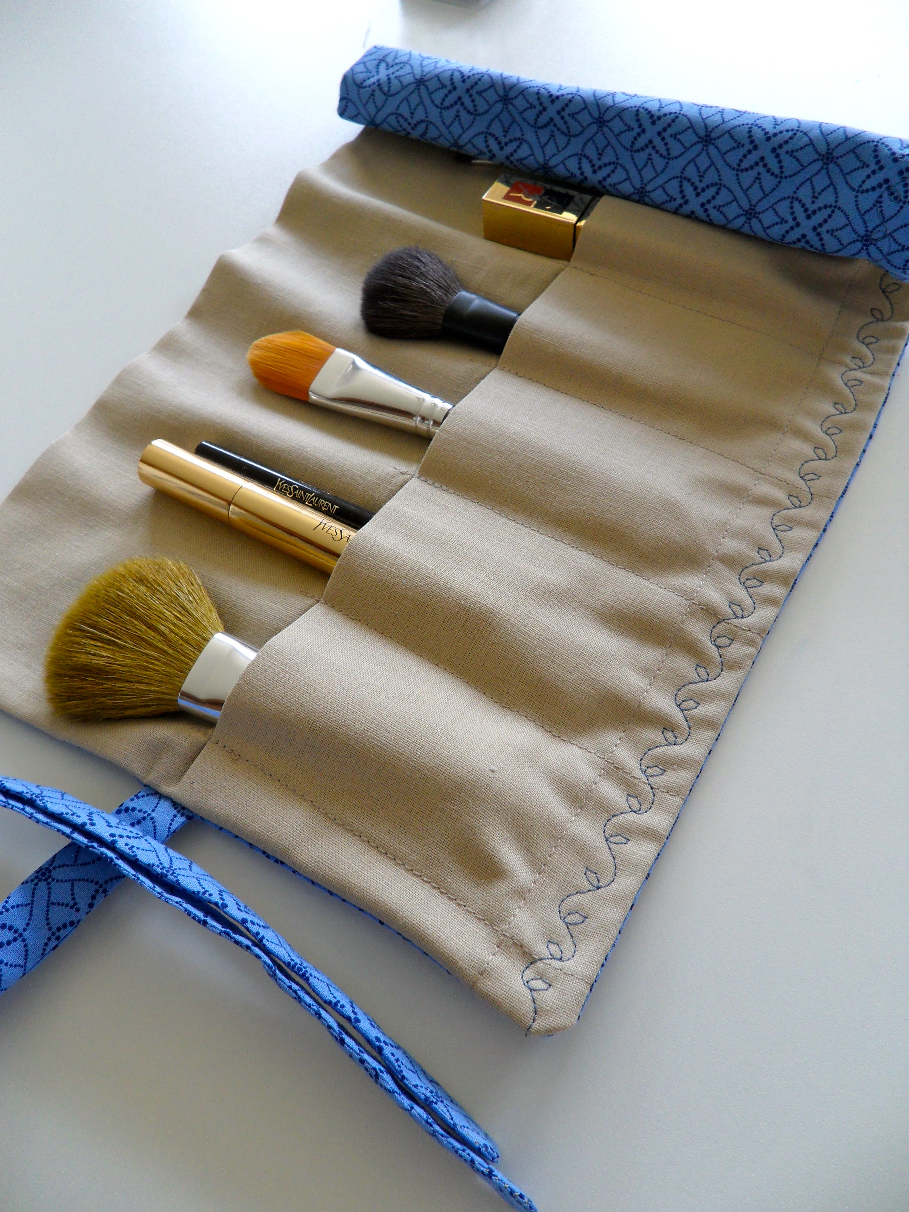Roll Up Makeup Brush Bag