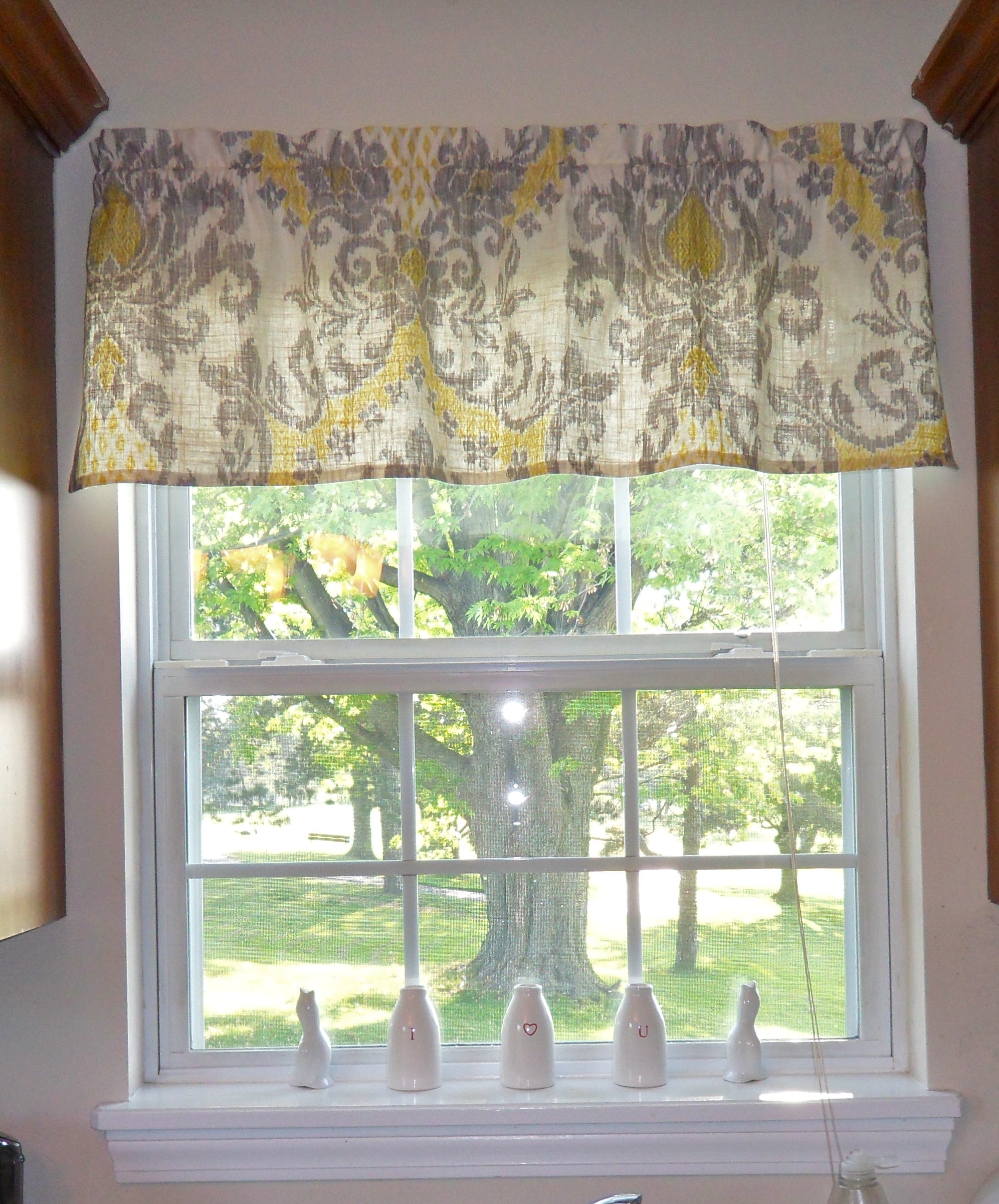 Quick and easy window valance for Petit rideau de cuisine