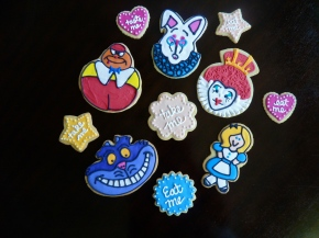 Finished Alice in Wonderland Cookies