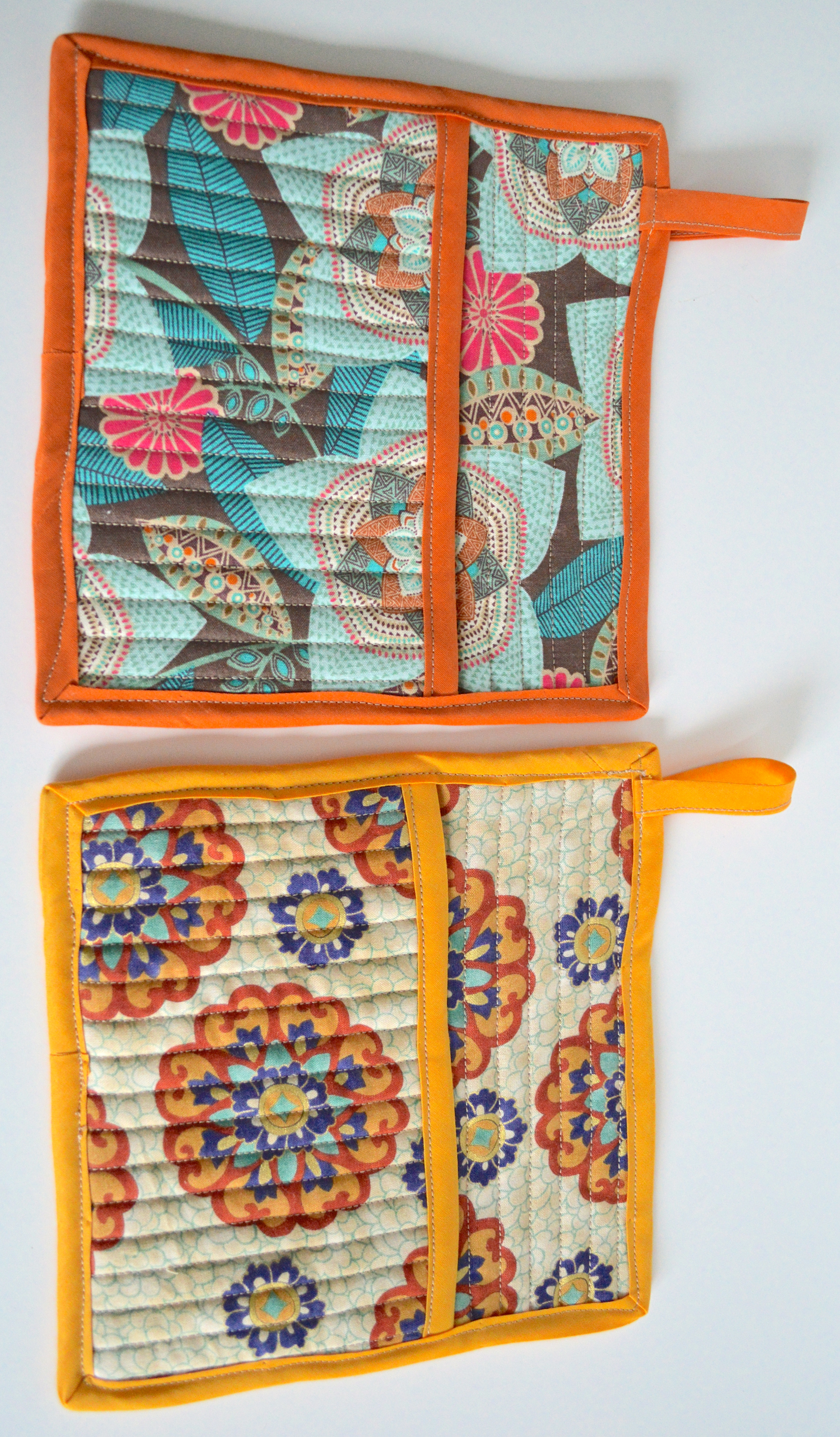 Quilted Pot Holders With Pocket