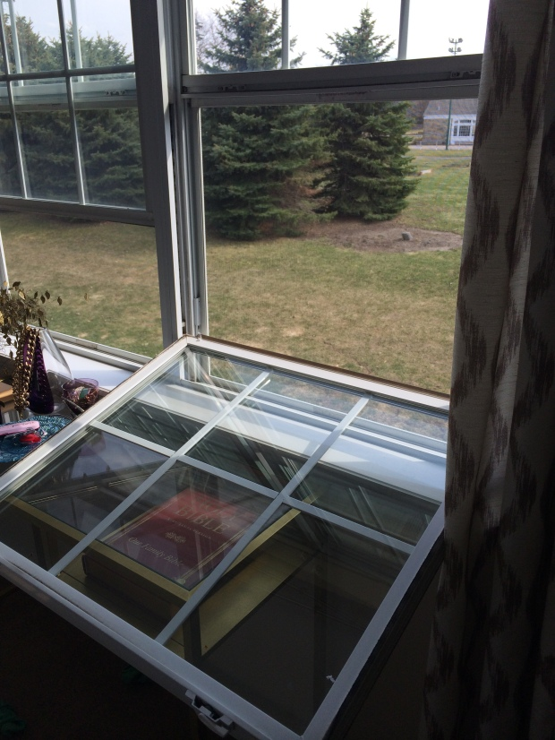 Cleaning outsides of windows