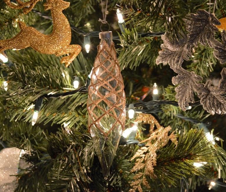 moms ornament